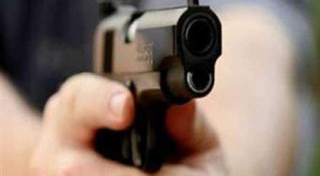 "<div align=""right"">شرطي يشهر سلاحه الوظيفي دون استعماله لإيقاف جانحين بالجديدة"