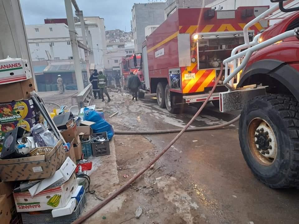 حريق مهول يأتي على محلات  تجارية في سوق الثلاثاء بالحسيمة