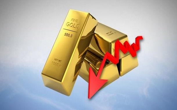 الذهب ينخفض عن حاجز سعري مهم نفسياً