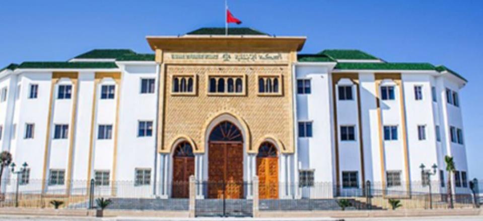 محكمة القصر الكبير تصدر حكمها في ملف عون سلطة أسقطه الرقم الأخضر