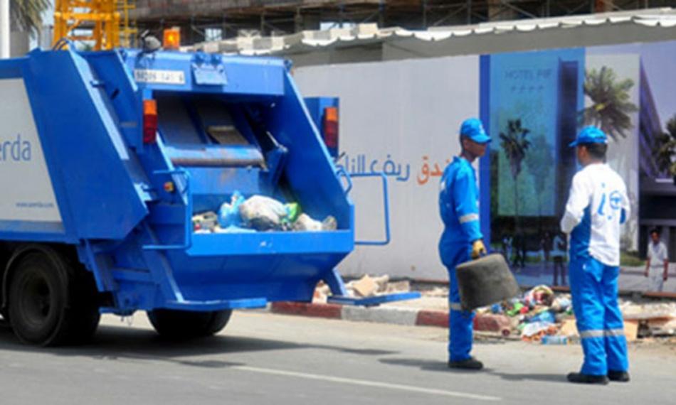 المجتمع المدني وقطاع النظافة بالحي الحسني