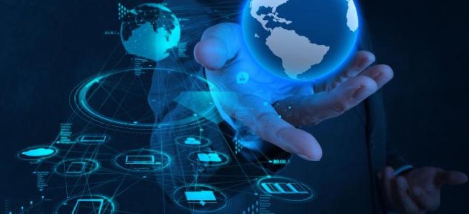 كيف جعل الإنترنت العالم قرية صغيرة؟