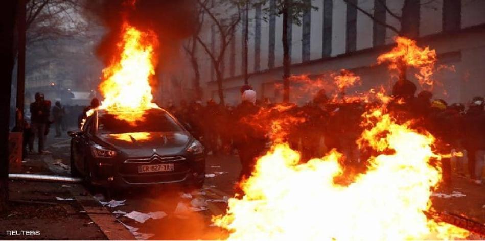 المظاهرات تعود إلى فرنسا.. حرق سيارات وتكسير محلات