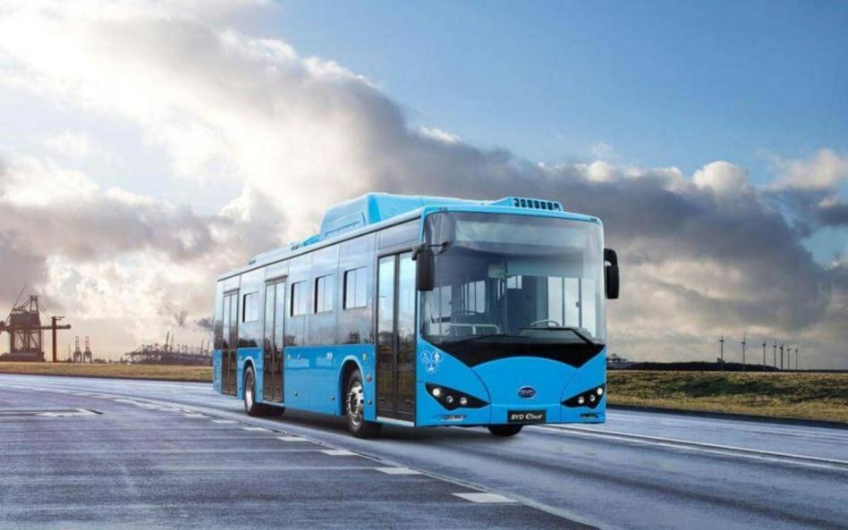 أسطول لحافلات المستقبل صديقة البيئة بالبيضاء