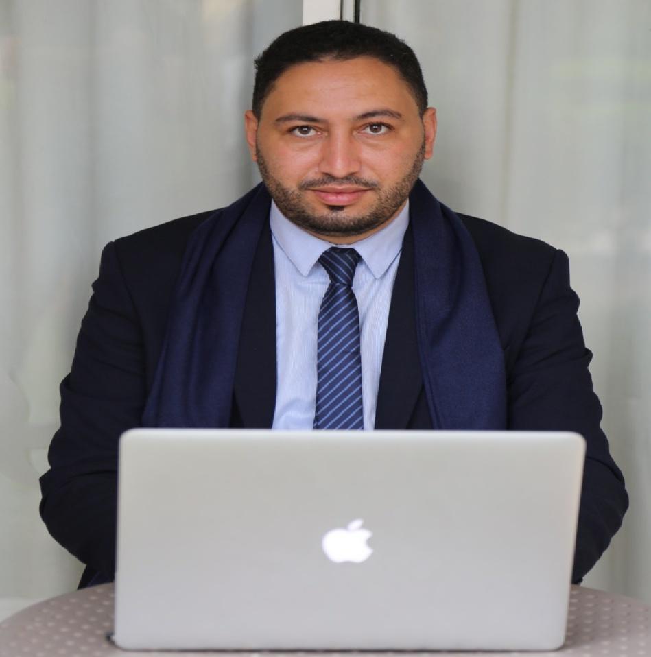 صحفي مغربي يظفر بجائزة الصحافة العربية في دورتها الـ19
