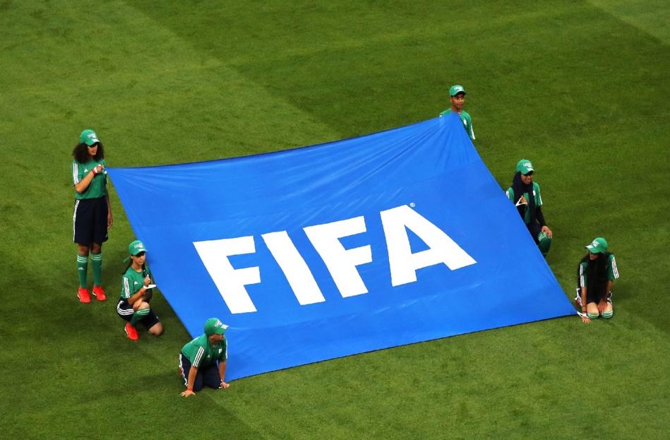 الـ «فيفا» يُجْبَرْ على تأجيل بطولتي كأس العالم بسبب كورونا