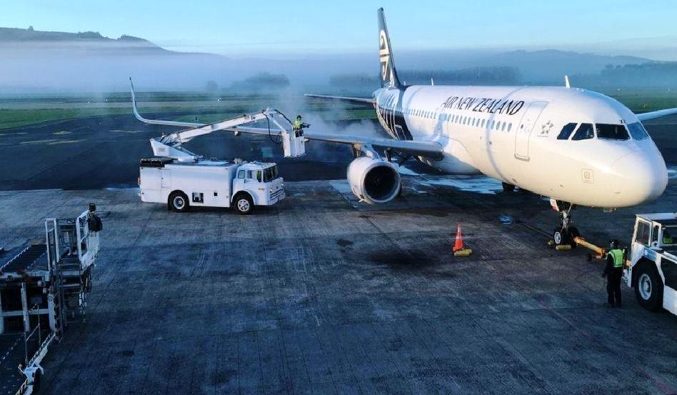 بعد تهديد بوجود قنبلة.. إخلاء مطار في نيوزيلندا