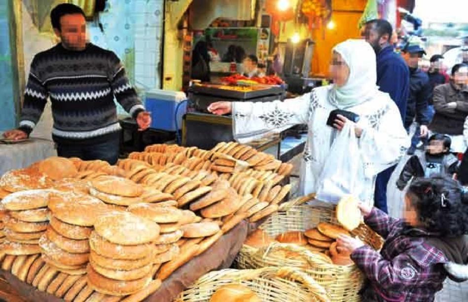 الجامعة المغربية لحقوق المستهلك تدق ناقوس الخطر.. «الخبز» الذي يتناوله المغاربة مشبع بالـمواد المسرطنة