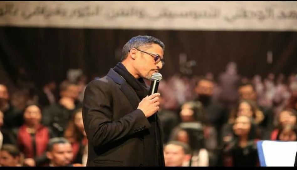 الفنان فؤاد صدوق يغني لـ«مسجد الله»