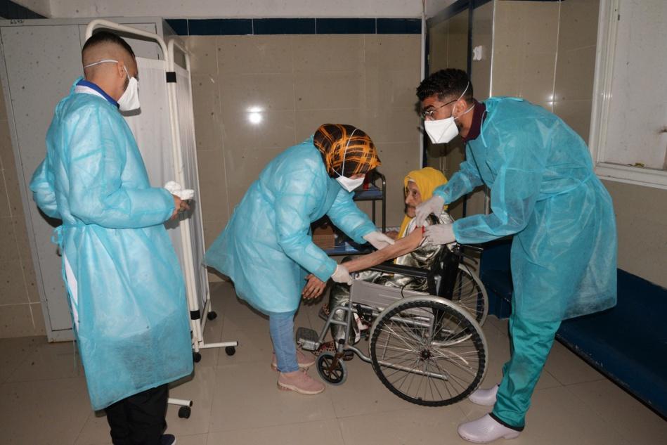 حملة تحسيسية لتشجيع المواطنين على الانخراط في عملية التلقيح بحي النسيم