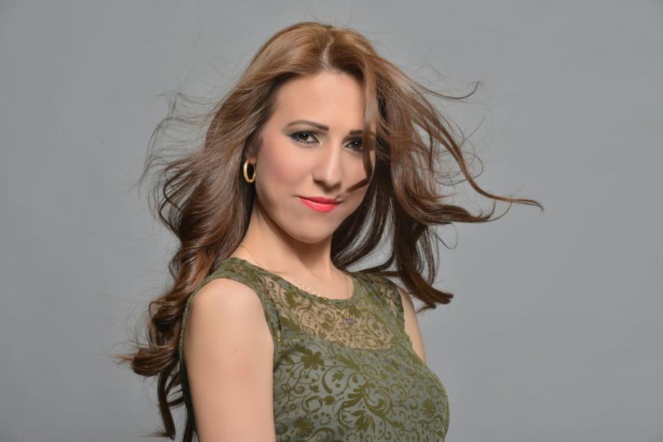 الفنانة المغربية جوليا: «الفنان الحقيقي مظلوم ببلادنا وعلى وزارة الثقافة مراجعة أوراقها»