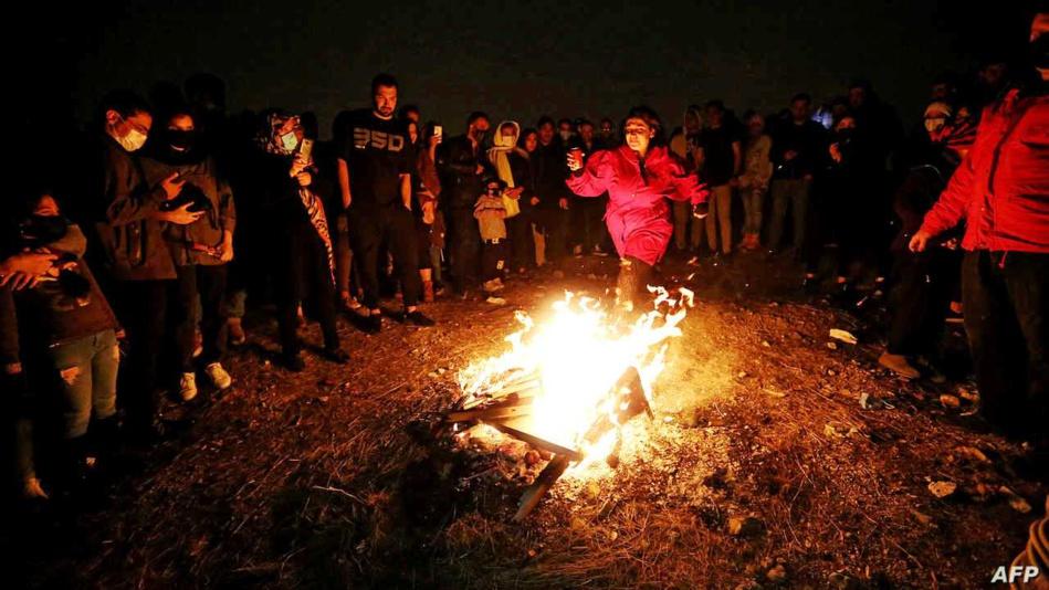 مقتل 3 وإصابة أكثر من ألف في احتفال الإيرانيين بمهرجان النار