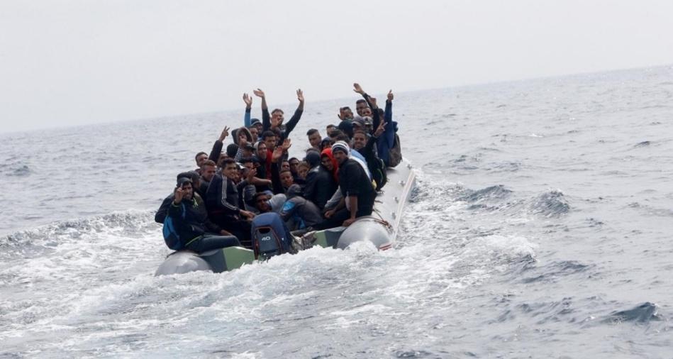 إيقاف 27 مغربيا مرشحا للهجرة السرية بينهم 3 نساء وطفل بالحسيمة