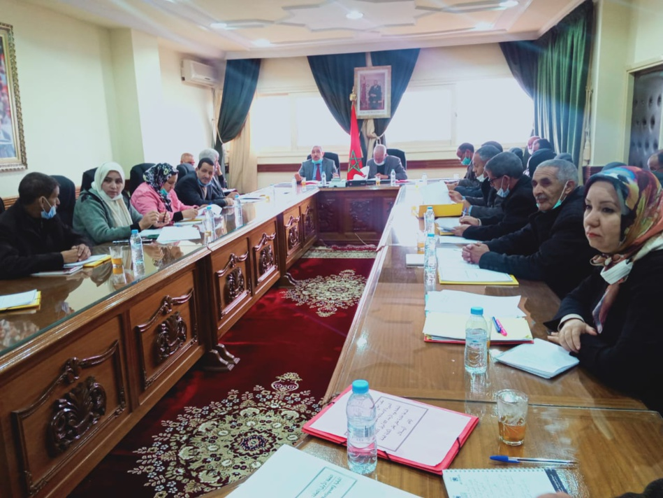 المجلس الإقليمي لأزيلال يعقد دورة استثنائية ويصادق على برمجة الفائض ومجموعة من الدراسات والاتفاقيات