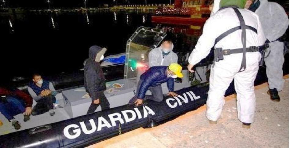 إسبانيا تنقذ 5 مرشحين للهجرة السرية أبحروا من سواحل الحسيمة