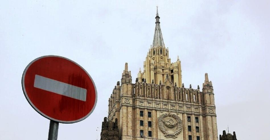 في تصعيد خطير.. روسيا تطالب من 10 موظفين في السفارة الأمريكية مغادرة أراضيها مع نهاية اليوم
