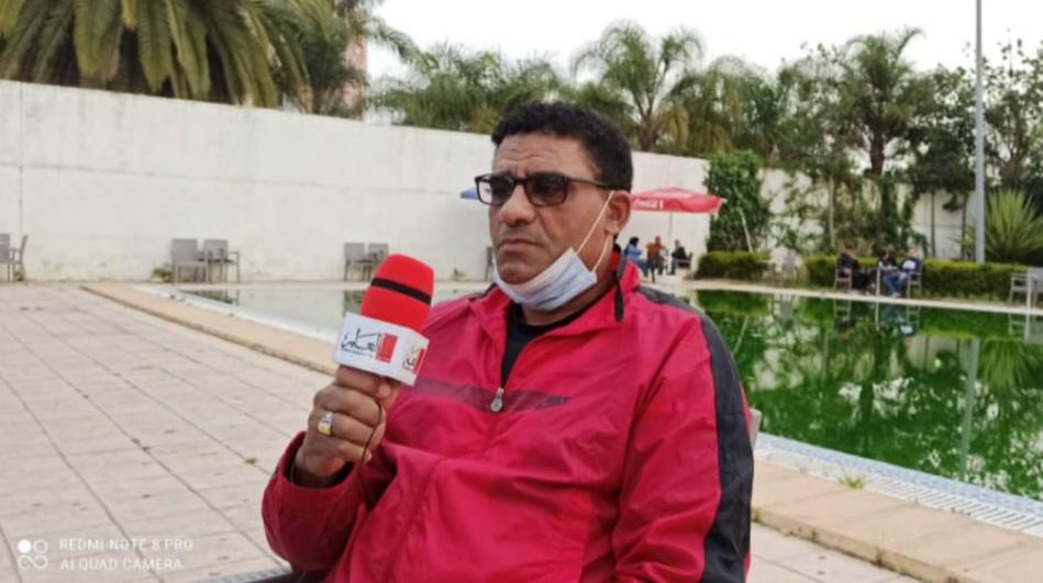 سابقة في تاريخ كرة القدم المغربية : مدرب  يقدم استقالته بين شوطي المباراة