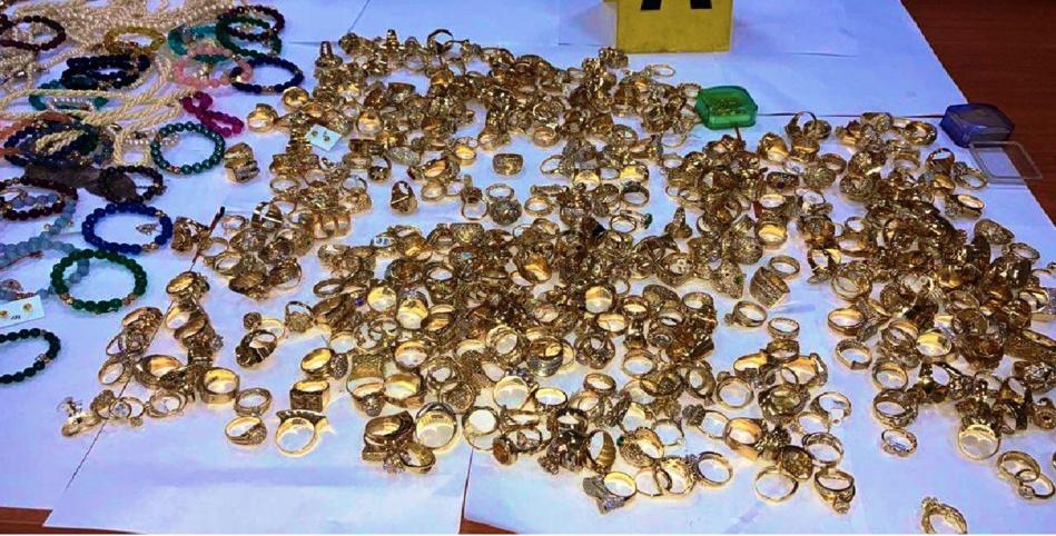 شرطة طنجة توقف شخصين في قضية سطو على محل لبيع الحلي والمجوهرات