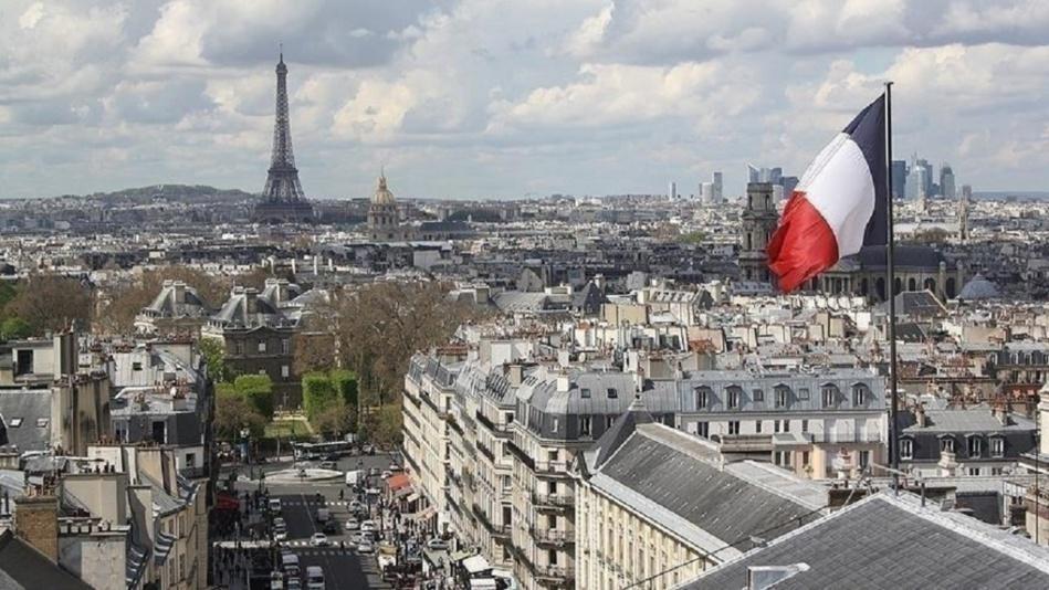 مجهول يضرم النار بمسجد في فرنسا