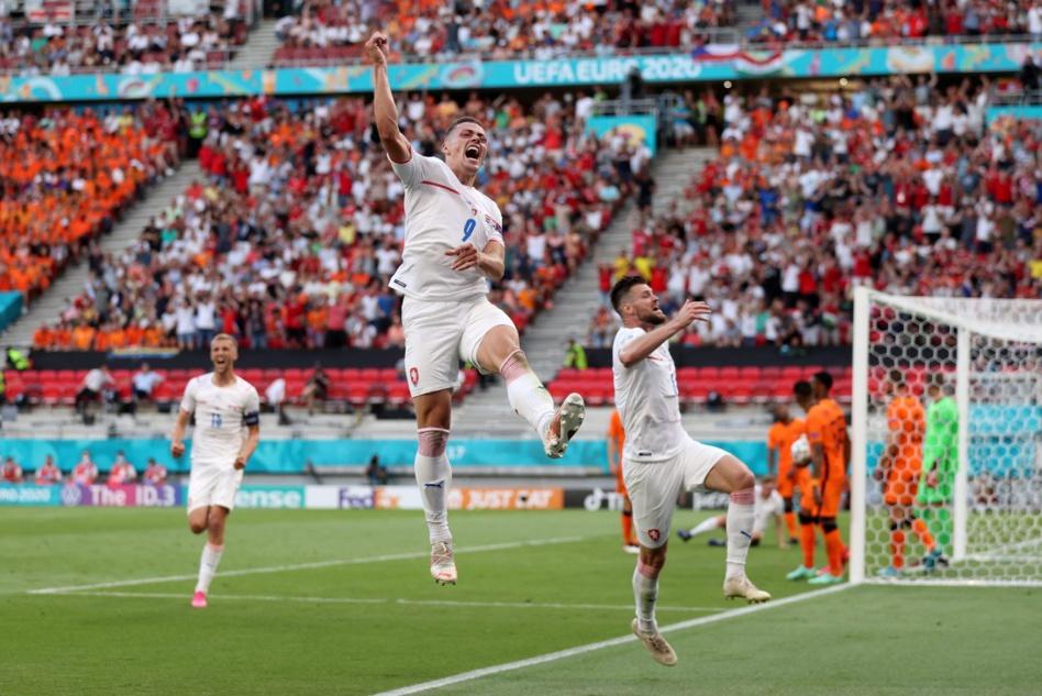 بشكل مفاجئ.. هولندا تودع كأس أروبا والتشيك يعبر إلى دور الثمانية