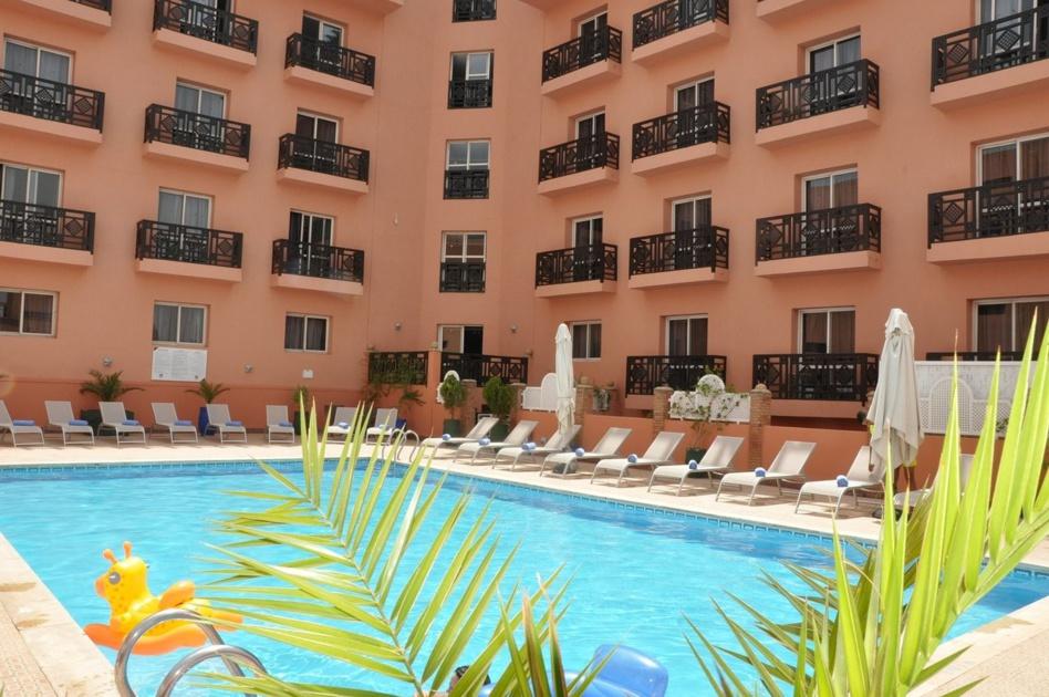 مجموعة الوحدات الفندقية رياض موكادور بمراكش تغلق أبوابها في وجه العمال بعد الإغلاق المفاجئ