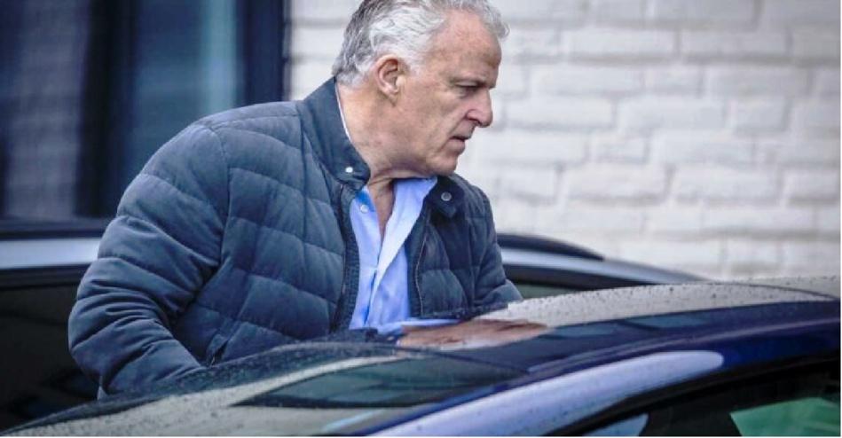 وفاة صحافي هولندي بعد تلقيه لرصاصات في الشارع العام
