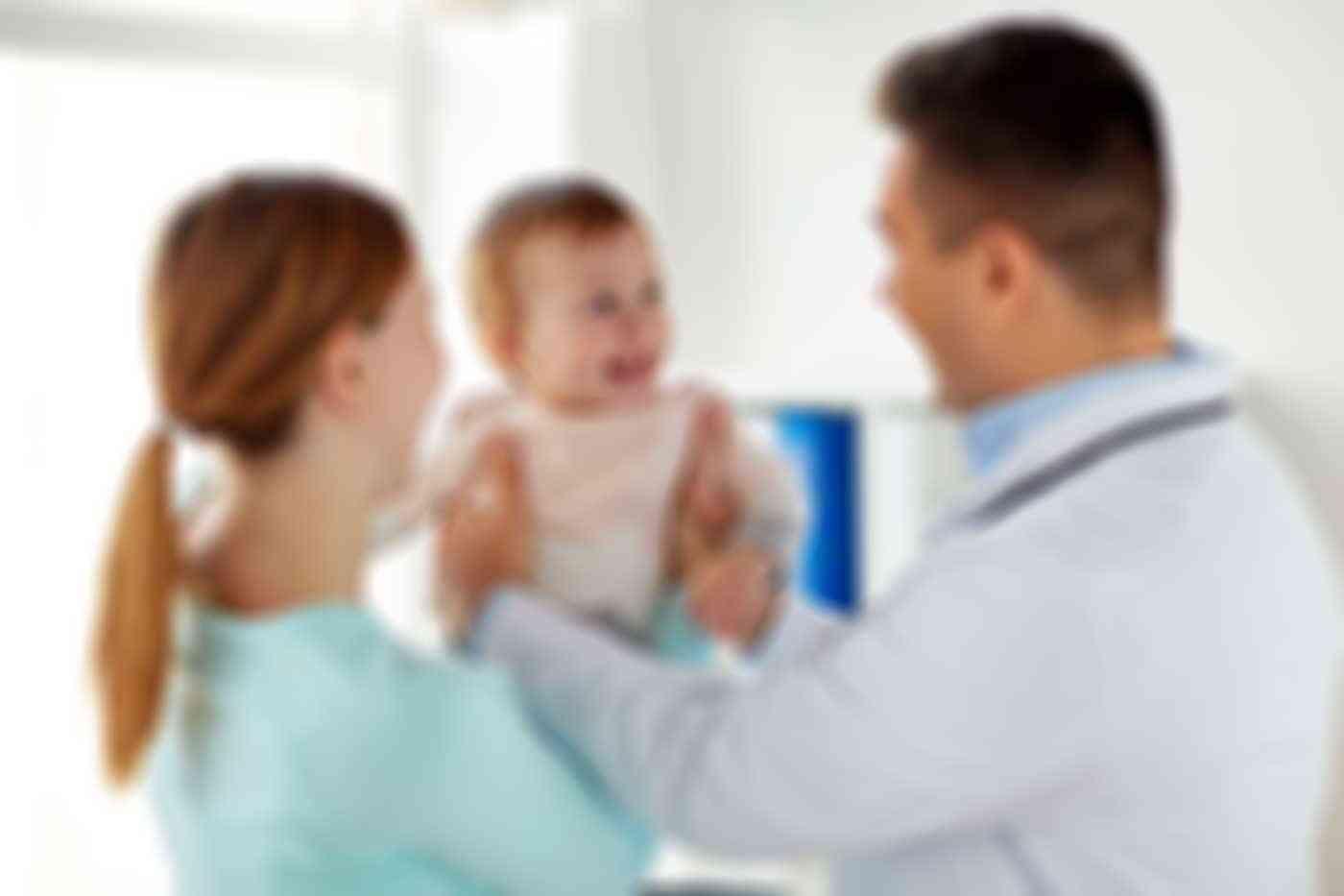 طبيب نساء ينجب 17 ابناً من مريضاته بدون علمهن