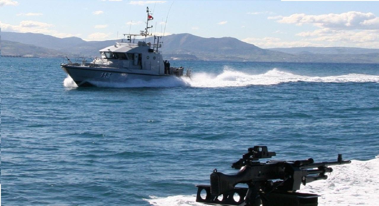 خفر السواحل يُحبِطْ محاولة لتهريب المخدرات بعرض الحسيمة
