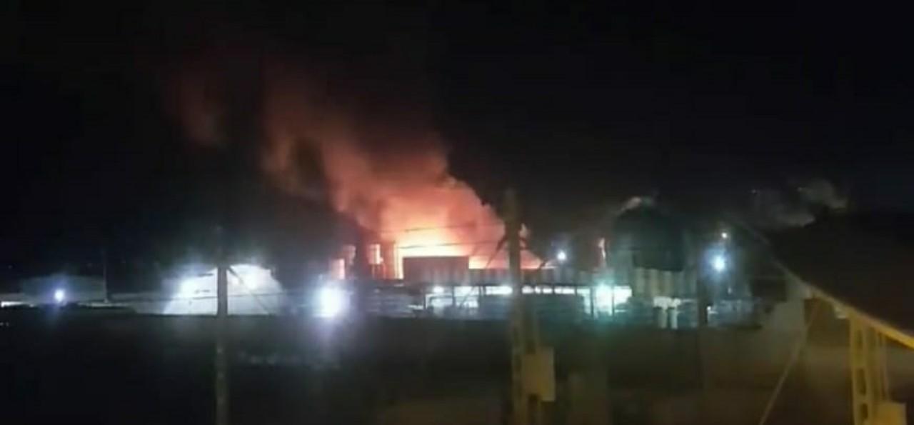 حريق مهول يندلع بمصنع في القنيطرة