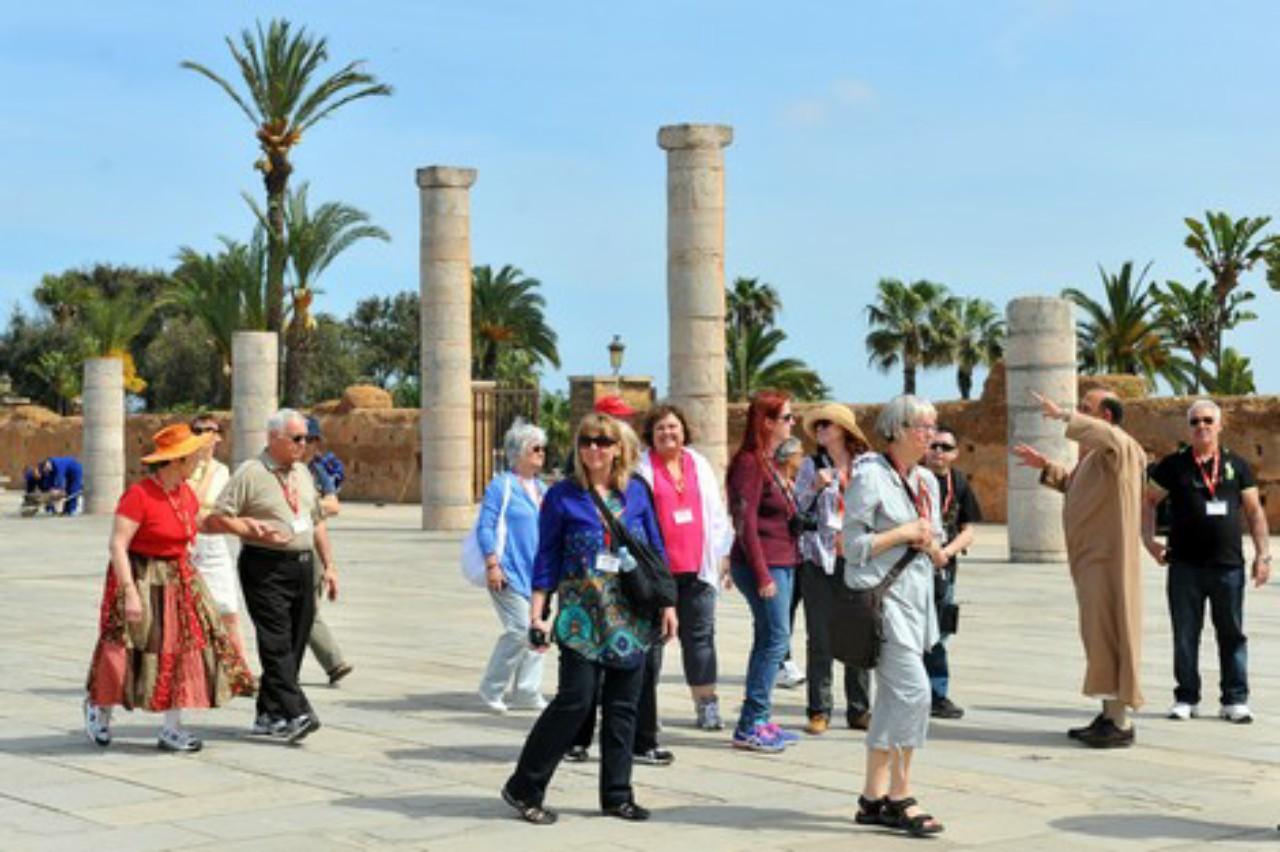مهنيو السياحة يطالبون بفتح الحدود لإنهاء الأزمة.