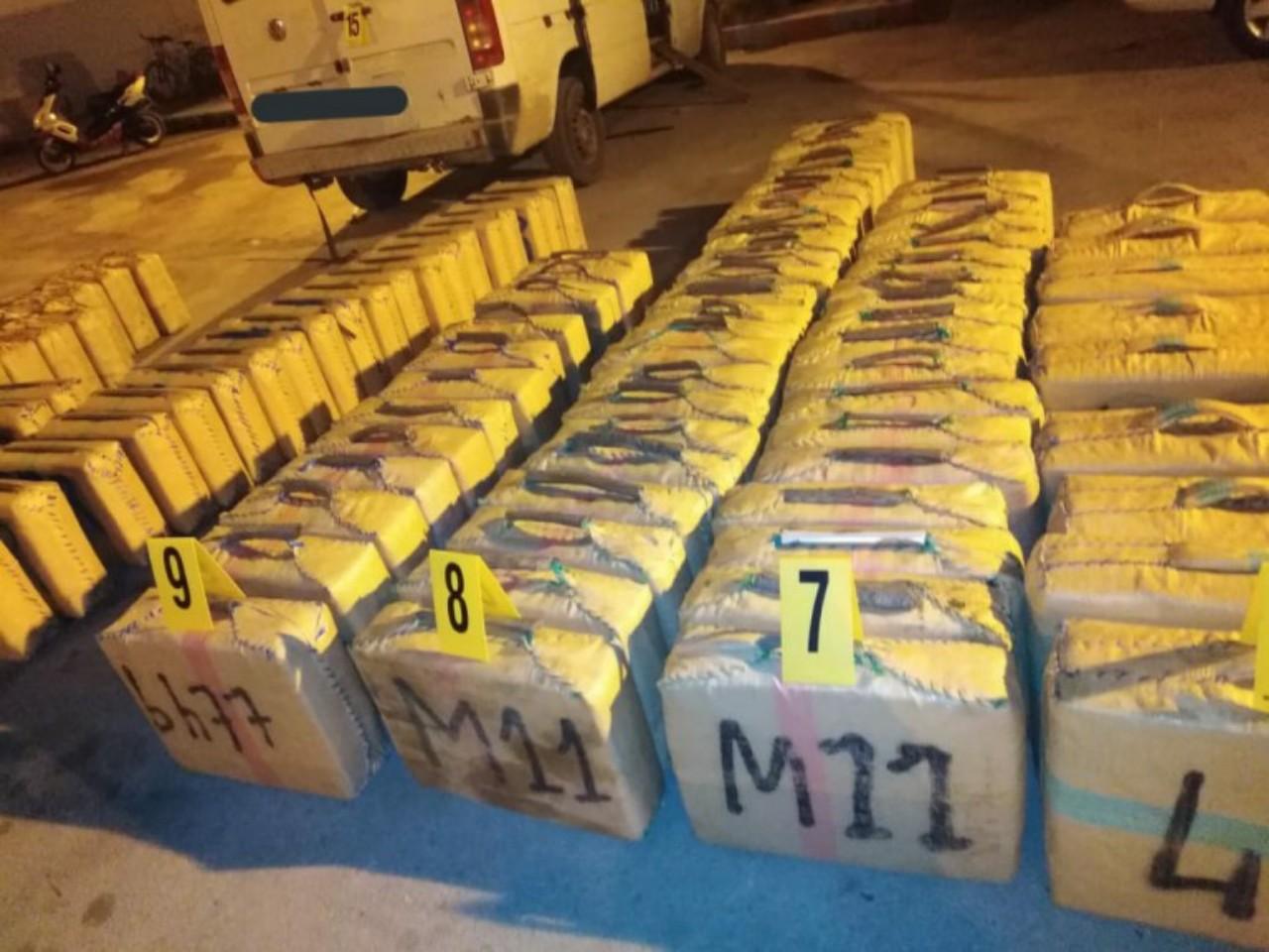 ضبط أزيد من طنين من مخدر الشيرا بالبيضاء