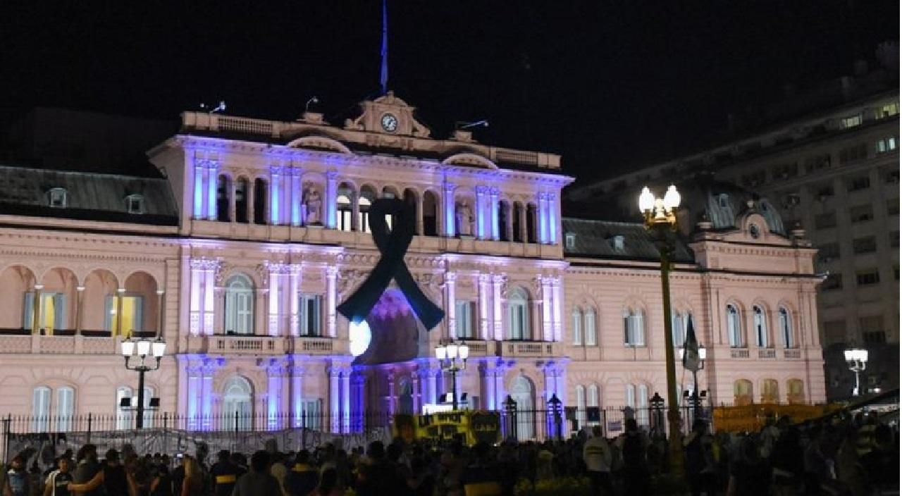 مارادونا.. نقل جثمان أسطورة الكرة إلى القصر الرئاسي في الأرجنتين