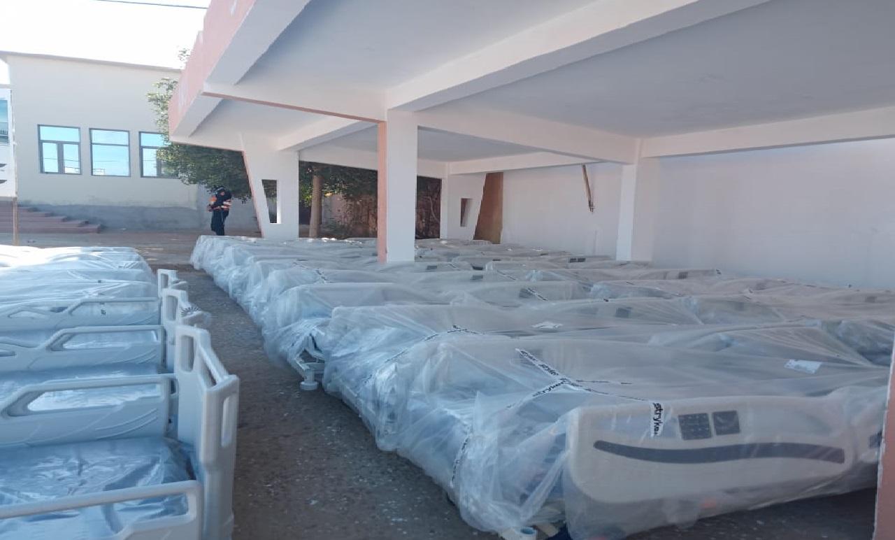 وزارة الصحة تسلم معدات طبية لمستشفى الحسن بن المهدي بالعيون