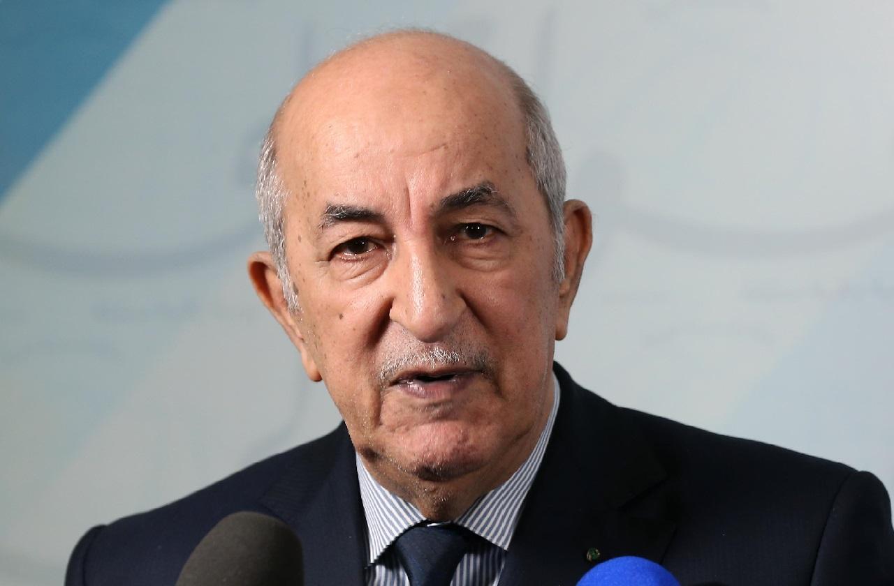 الرئيس الجزائري يوجه رسالة مصورة إلى الشعب عبر تويتر