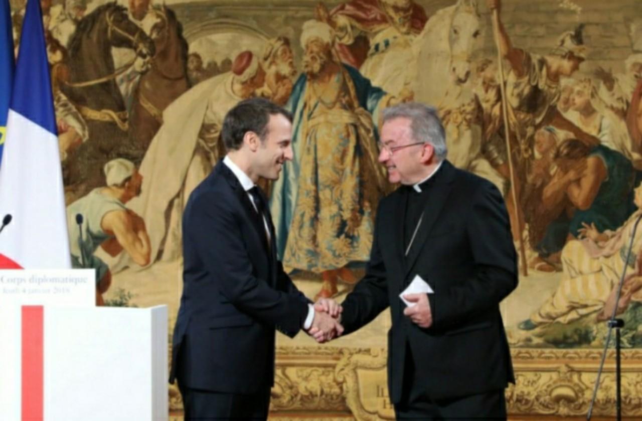 الحكم بالسجن على سفير الفاتيكان السابق في فرنسا