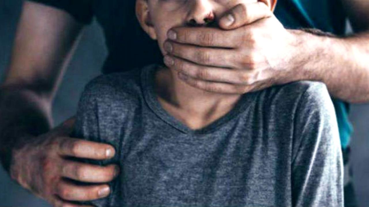 إعتقال خياط عرض طفلاً قاصراً لاعتداءات جنسية متكررة