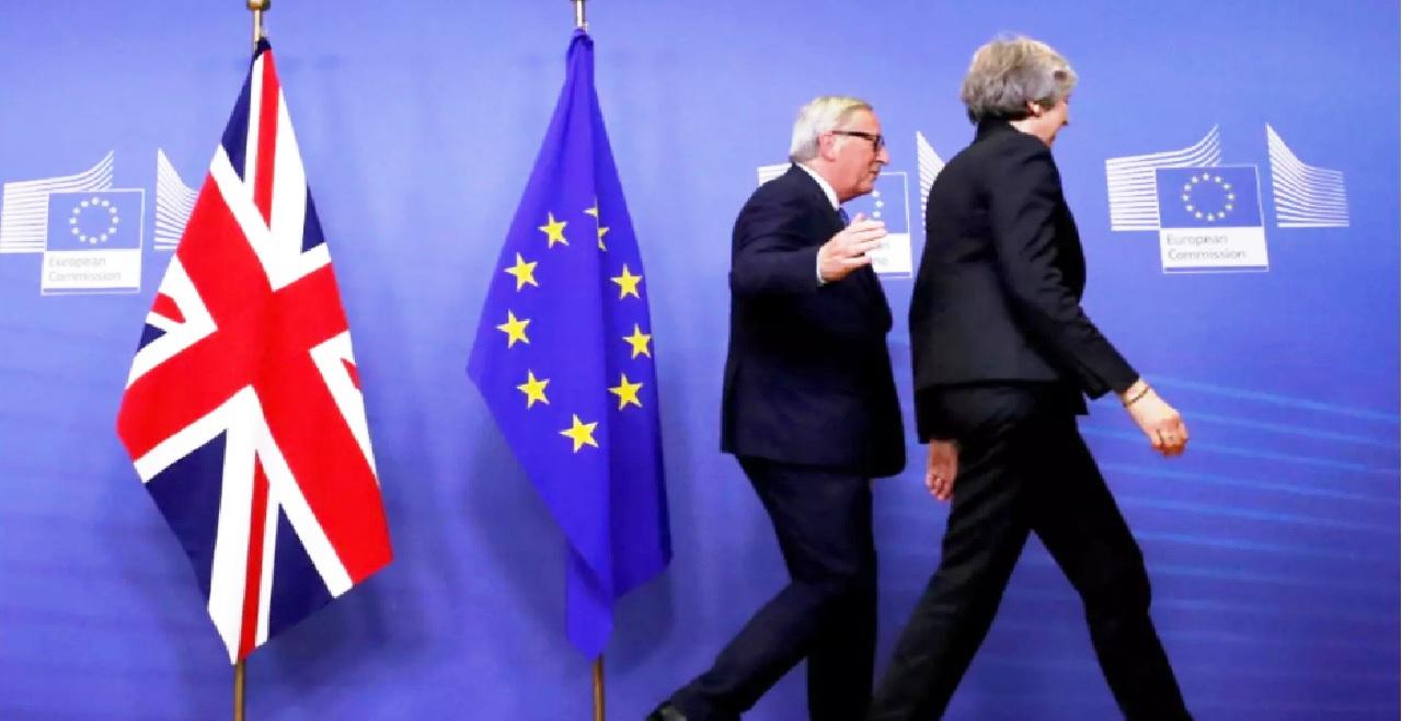 وأخيراً.. الإتحاد الأوروبي وبريطانيا يتوصلان لاتفاق تجاري بشأن بريكست