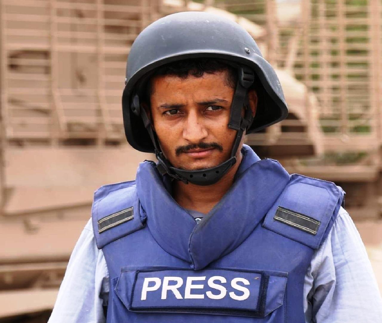 مقتل مراسل واصابة 9 صحفيين بالهجوم الارهابي الذي استهدف مطار عدن