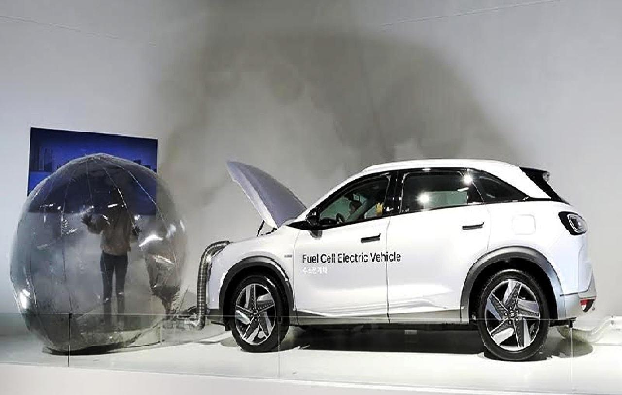 سيارة بيئية تعمل بخلايا وقود الهيدروجين
