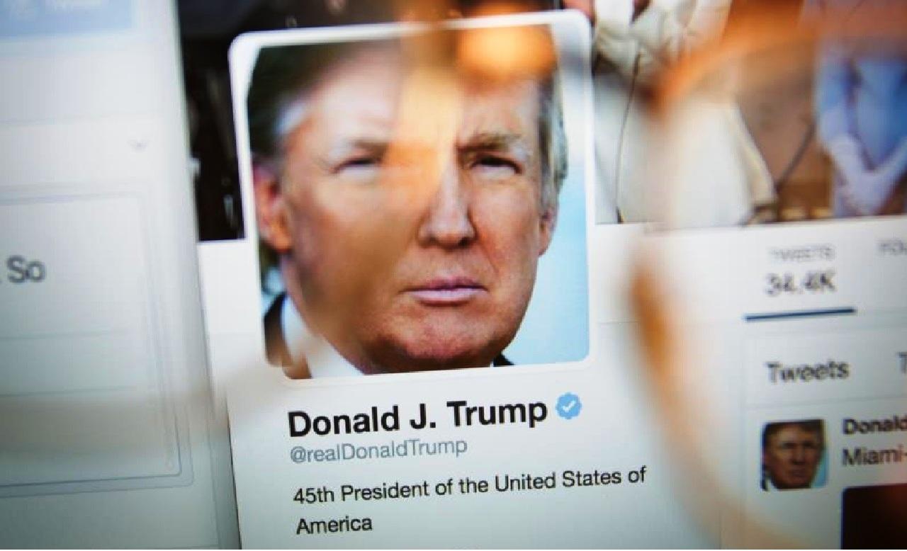 تويتر تغلق حساب ترامب بشكل نهائي