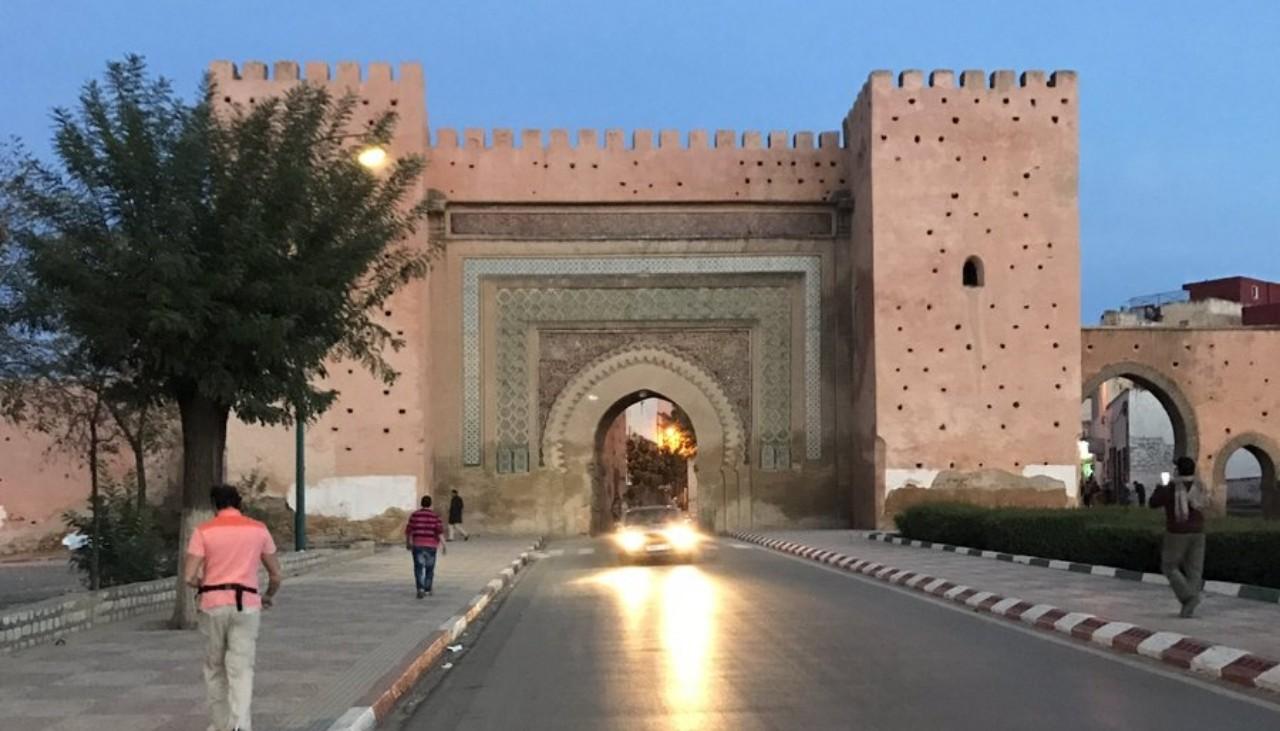 ساكنة حي الرياض بالعاصمة الإسماعيلية تستغيث!