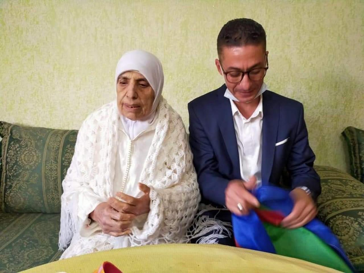 لبنى ابيضار ورشيد زناي يكرمان رائدة الفن الأمازيغي ميمونت نسروان