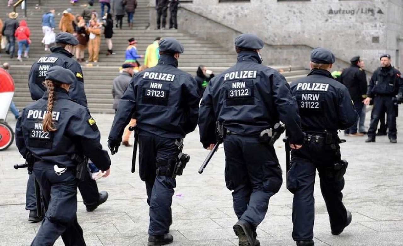 إصابات خطيرة بـ«حادث طعن» في «ألمانيا» واعتقال المنفذ