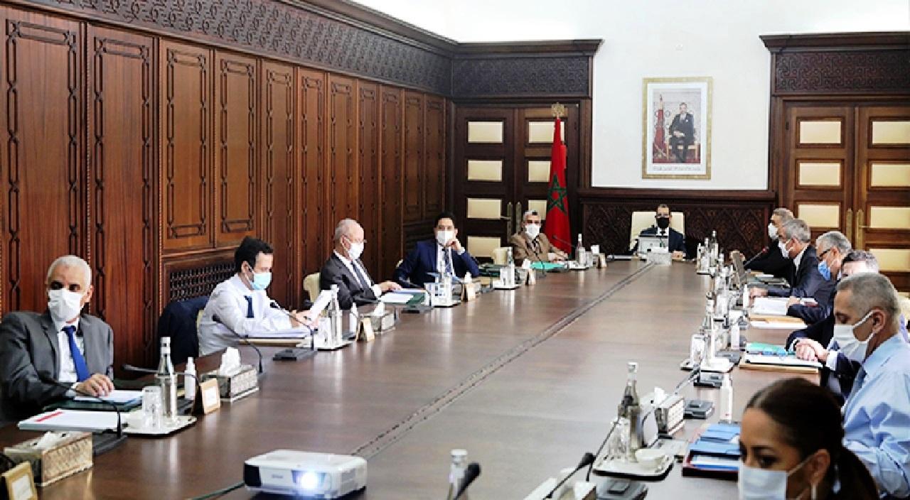 الحكومة تستغيث بالمجلس الاقتصادي لتمرير قانون المنظمات النقابية