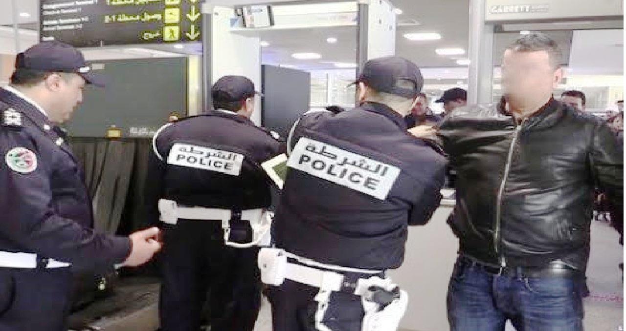إعتقال مقدم شرطة بالحسيمة للإشتباه في تورطه في محاولة تهريب 962 كلغ من مخدر الشيرا