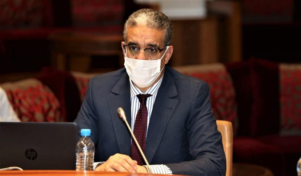 """أرباب محطات الوقود يطالبون الرباح بكشف """"منبع الفساد"""" في القطاع"""