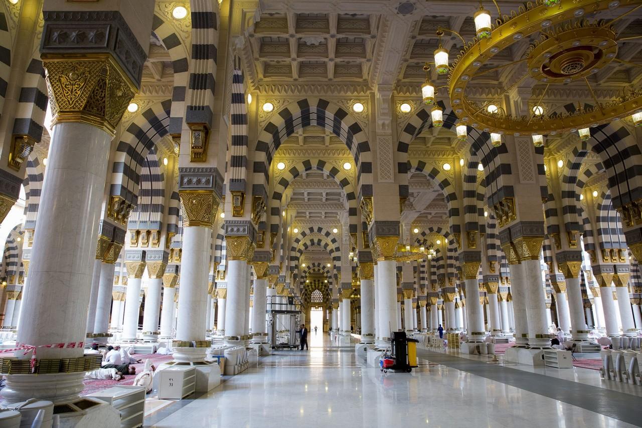 إغلاق مساجد بالسعودية بعد ظهور إصابات في صفوف المصلين