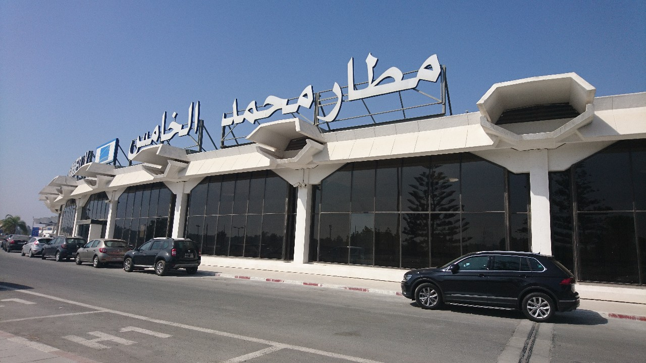 حركة النقل الجوي بمطارات المغرب تنخفض بأزيد من 68 بالمائة خلال الشهر المنصرم