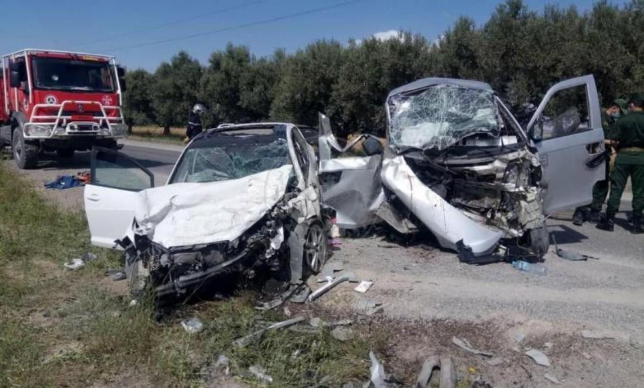 قتلى وجرحى في حادث اصطدام سيارتين بكرسيف