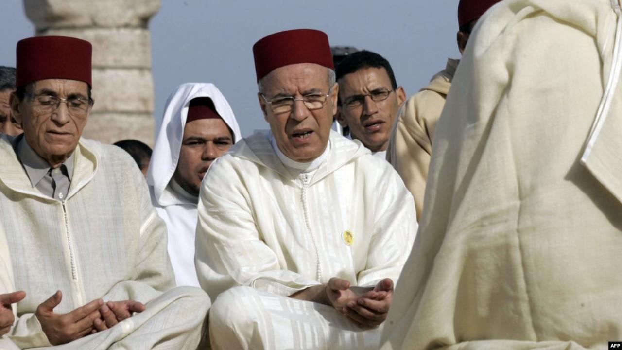 الحكومة تتفرج على استمرار معاناة القيمين الدينيين